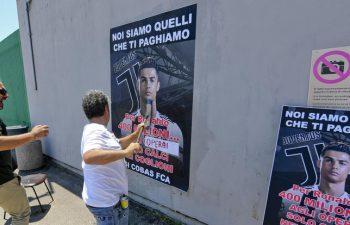 Gli operai FIAT scioperano contro Ronaldo