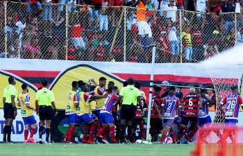 Vitoria e Bahia rissa, 10 espulsi e partita sospesa